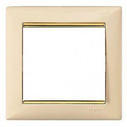 Рамка Valena слоновая кость/золотой штрих 774151